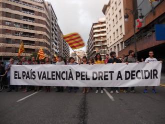 «Volem que voteu, volem votar», clamen a València